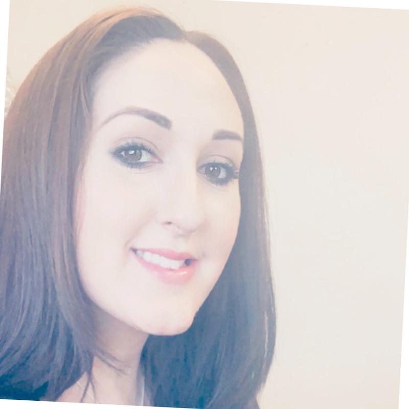 Stephanie Yeager Headshot